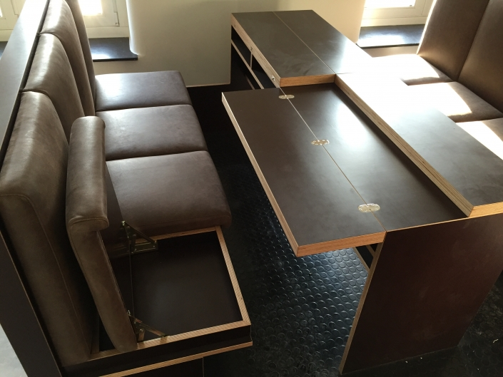 Besprechungsgruppe, Lounge
