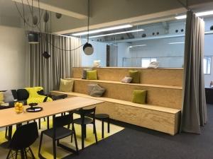 Sitzpodest Seekiefer open office